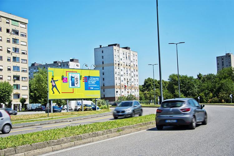 Medio Formato Milano
