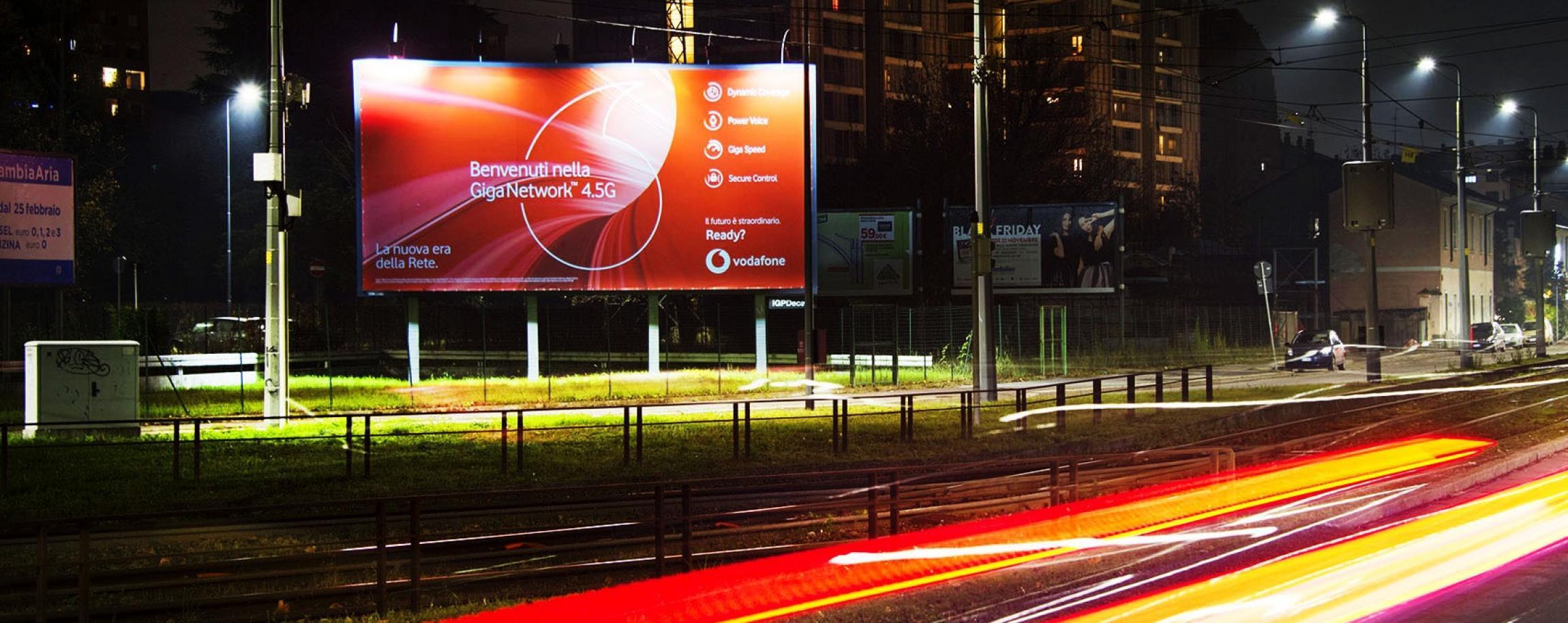 Vodafone GigaNet, poster Milano